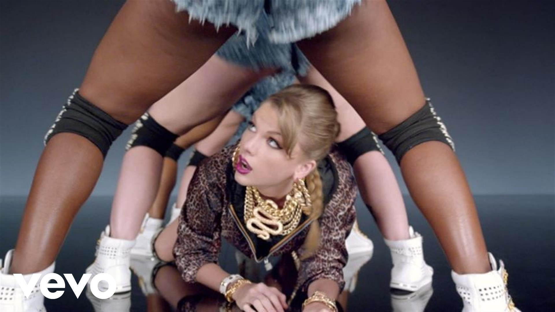 Taylor Swift - Shake It Off 1