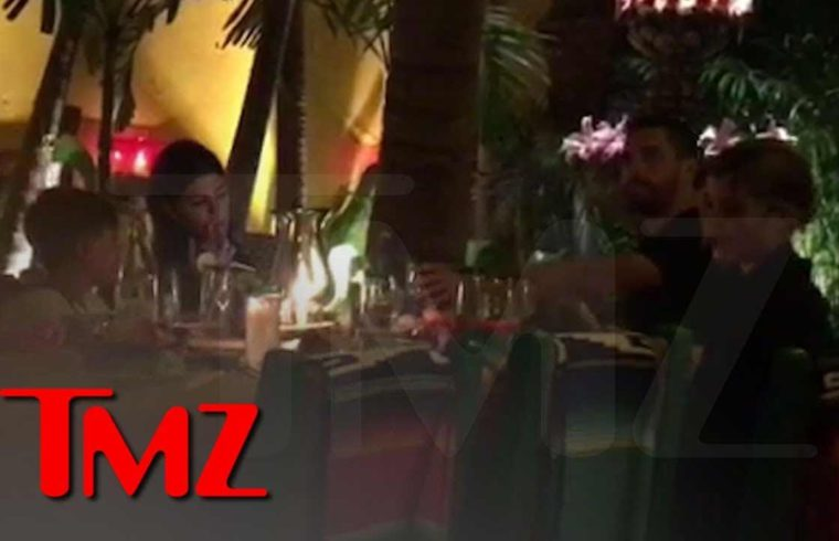 Kourtney K, Sofia Richie & Scott Disick Vacation Together in Mexico | TMZ 1