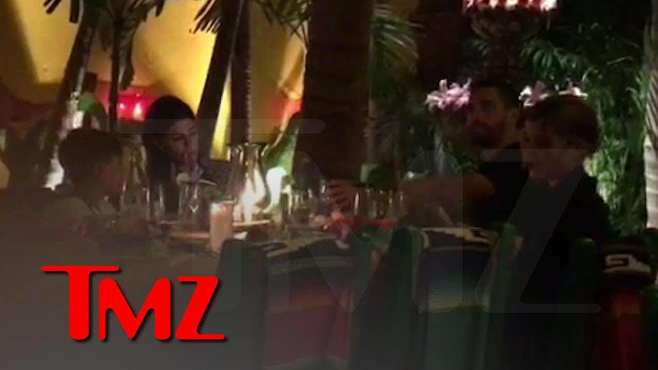 Kourtney K, Sofia Richie & Scott Disick Vacation Together in Mexico | TMZ 1