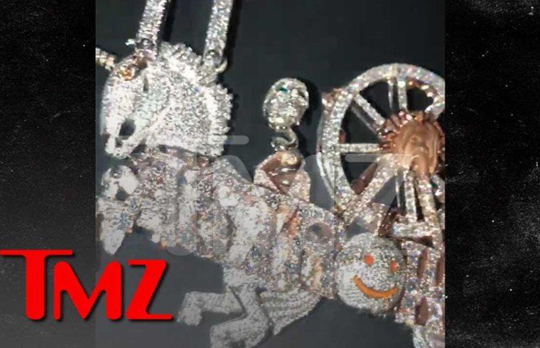Travis Scott Drops $450,000 For His Astroworld Set Design in Diamonds | TMZ 1