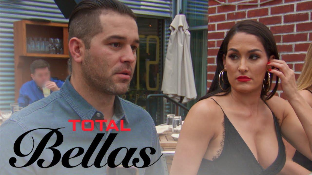 Brie, Bryan & JJ Trick Nikki Bella Into a Blind Date | Total Bellas | E! 3