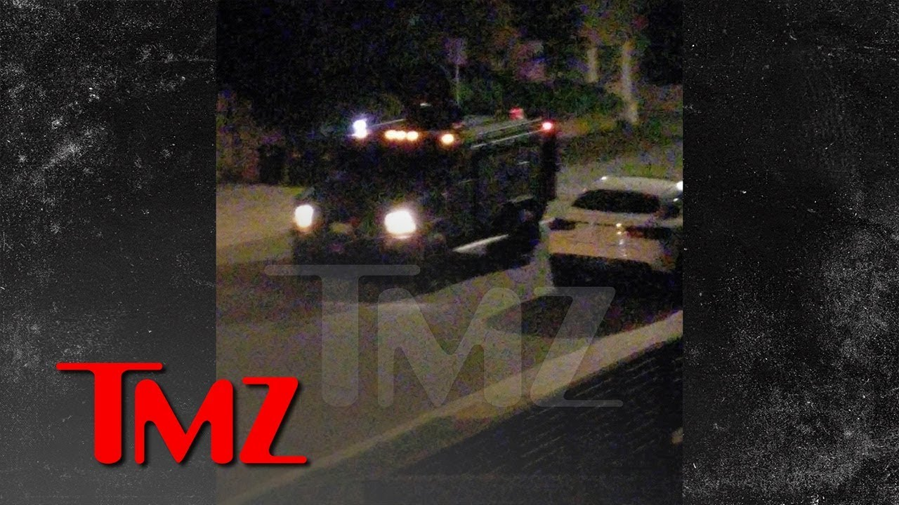 Massive Police Presence Outside Jimmy Kimmel's Hermosa Beach Rental Home | TMZ 3