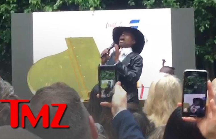 Billy Porter Sings 'Shallow' From 'A Star is Born' at Gold Meets Golden Event | TMZ 1
