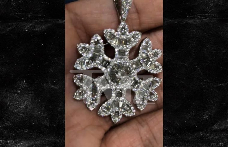 Quavo Drops $75,000 on Diamond Snowflake Bling For Rapper Girlfriend Saweetie 1