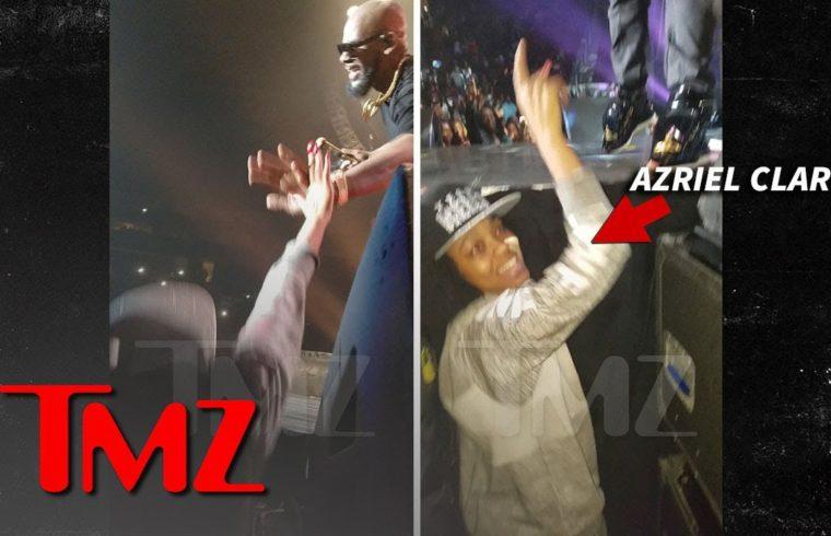 R. Kelly's Alleged Sex Slaves Front Row and Cheering at 2016 Concert | TMZ 1