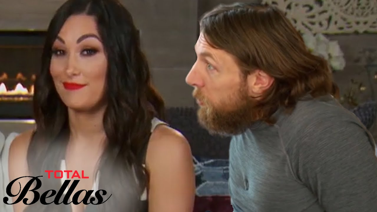Brie Breaks the News to Bryan About Nikki Bella | Total Bellas | E! 4