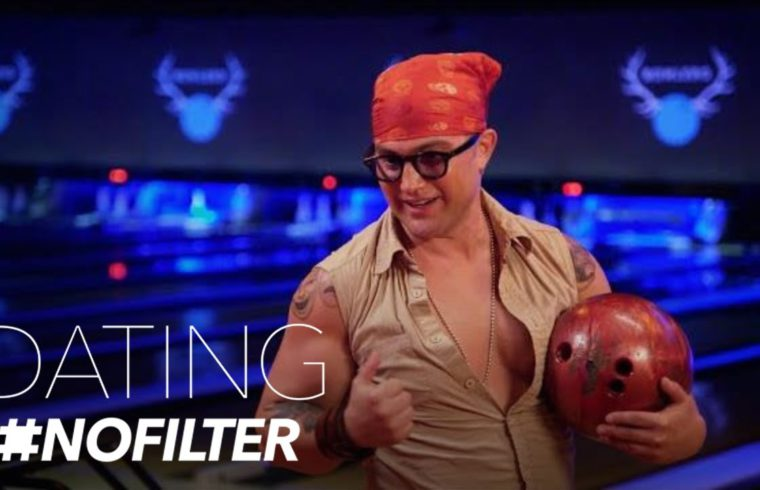 Jonathan Tries to Bowl a Perfect Strike for a Kiss | Dating #NoFilter | E! 1