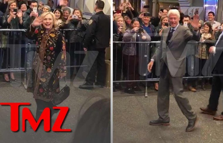 Hillary, Bill and Chelsea Get Mad Cheers on Broadway | TMZ 1