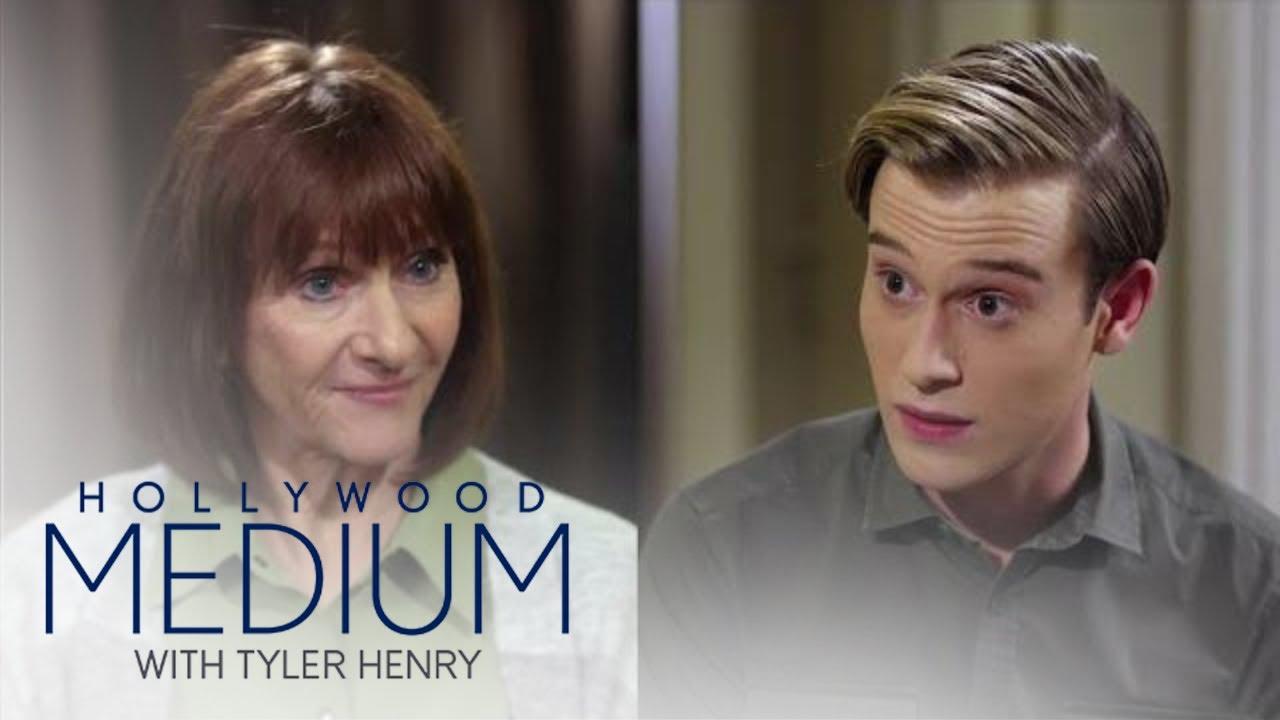 Tyler Henry Validates Mom's Suspicions of Son Killed by Smiley Face Killer   Hollywood Medium   E! 2