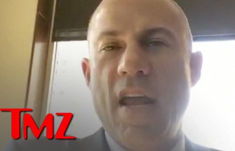 R. Kelly Charged, 10 Counts Aggravated Sexual Abuse, Singer Plans to Surrender | TMZ 1
