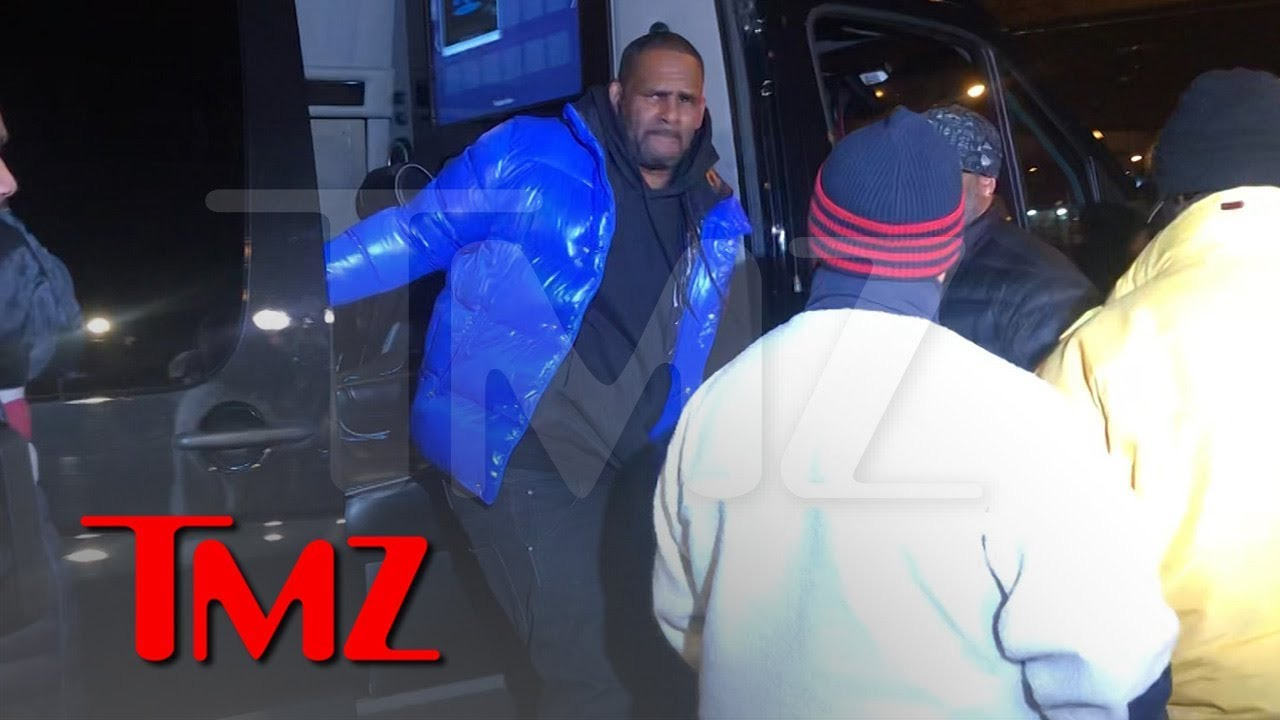 R. Kelly Turns Himself In To Police After Being Charged With Sexual Abuse 4