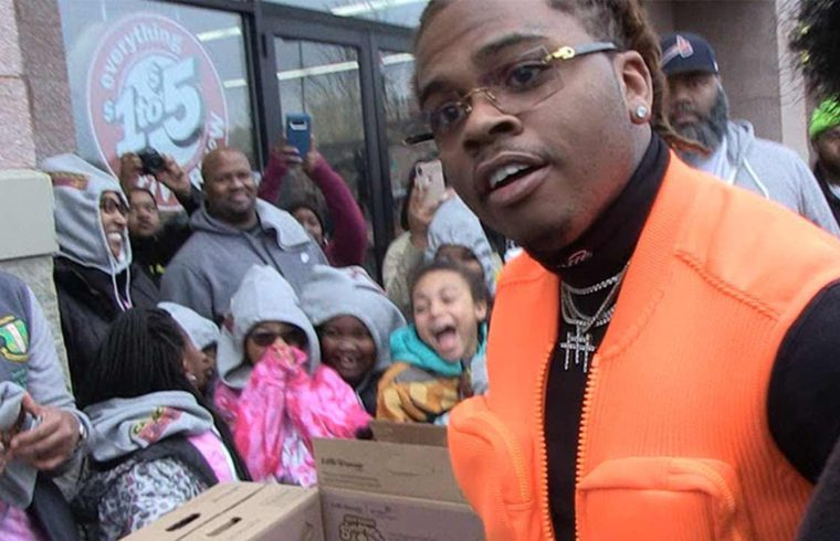 Rapper Gunna Thrills Girl Scouts by Buying Entire Table of Cookies 1