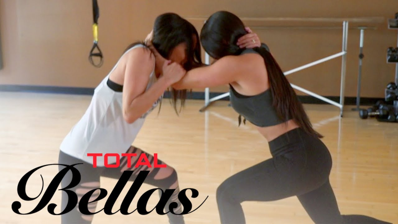 Bella Twins Face Off in Friendly Sparring Session | Total Bellas | E! 4
