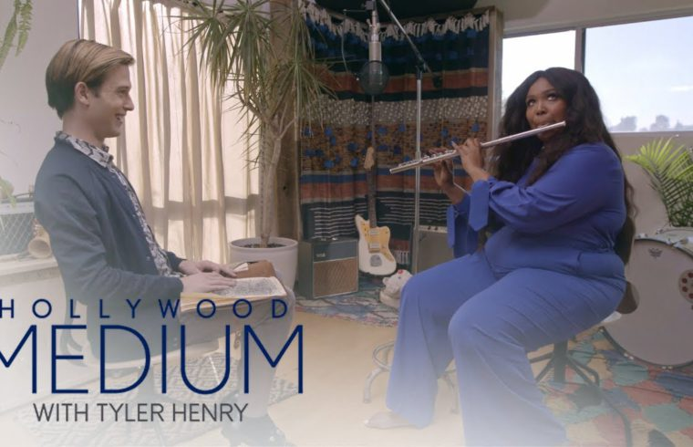 Lizzo Plays Her Cherished Flute for Tyler Henry | Hollywood Medium with Tyler Henry | E! 1