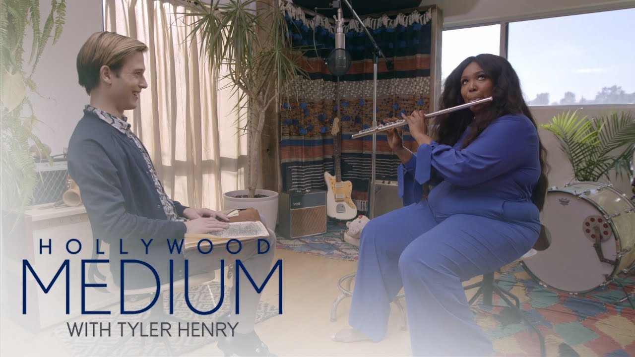Lizzo Plays Her Cherished Flute for Tyler Henry | Hollywood Medium with Tyler Henry | E! 2