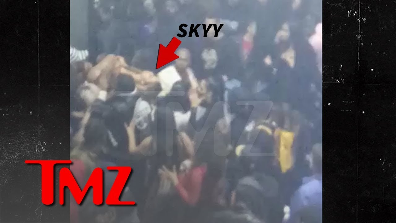 Alexis Skyy Carried Out of Super Bowl Party After People Thought Gunshots Fired | TMZ 3