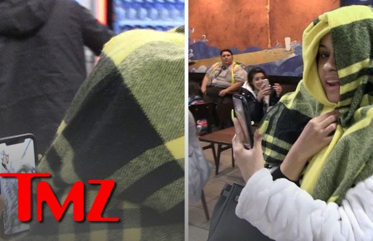 Cardi B FaceTiming with Offset at LAX | TMZ 1
