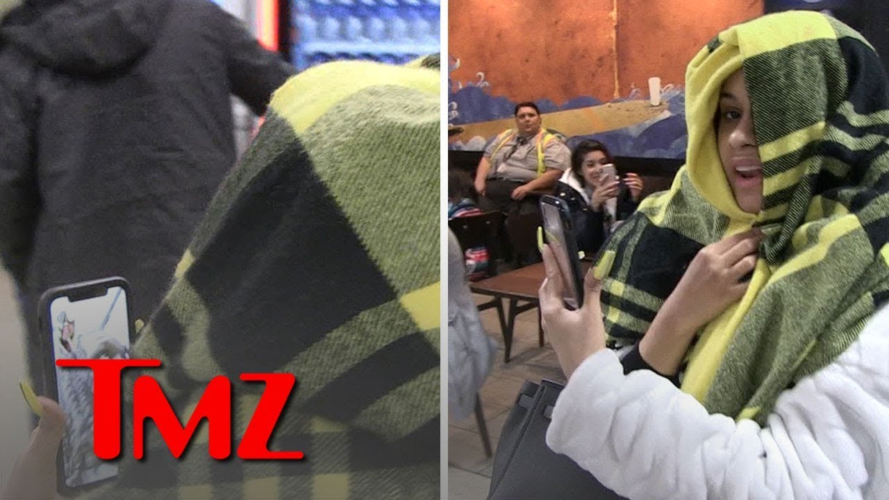 Cardi B FaceTiming with Offset at LAX | TMZ 4