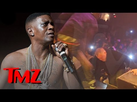Lil Boosie -- Fan Learns the Hard Way ... Don't Try to Jump on the Stage! (VIDEO) | TMZ 3