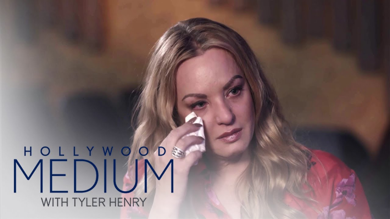 Kenya Moore, Macklemore & Wendi McLendon-Covey Talk Family Strain | Hollywood Medium Recap (S4 Ep3) 3