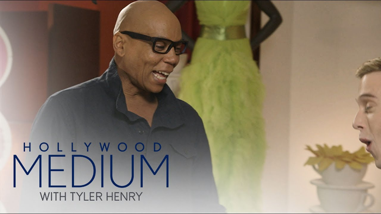 RuPaul Shows Off His Amazing Wardrobe to Tyler Henry | Hollywood Medium with Tyler Henry | E! 4