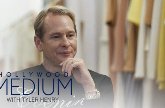 Carson Kressley Feels Closure After Tyler Henry Reading | Hollywood Medium with Tyler Henry | E! 8