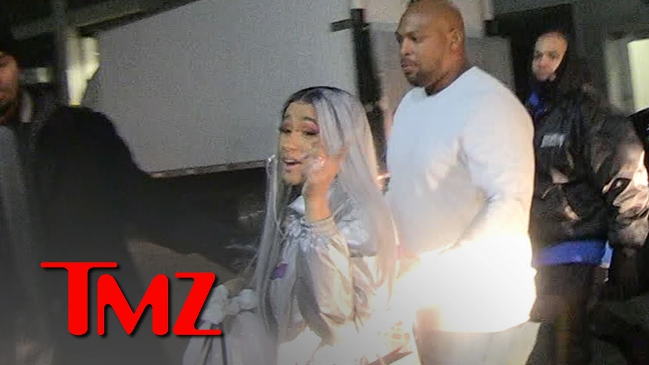 "Cardi B Says ""I Love You"" to TMZ Photogs 