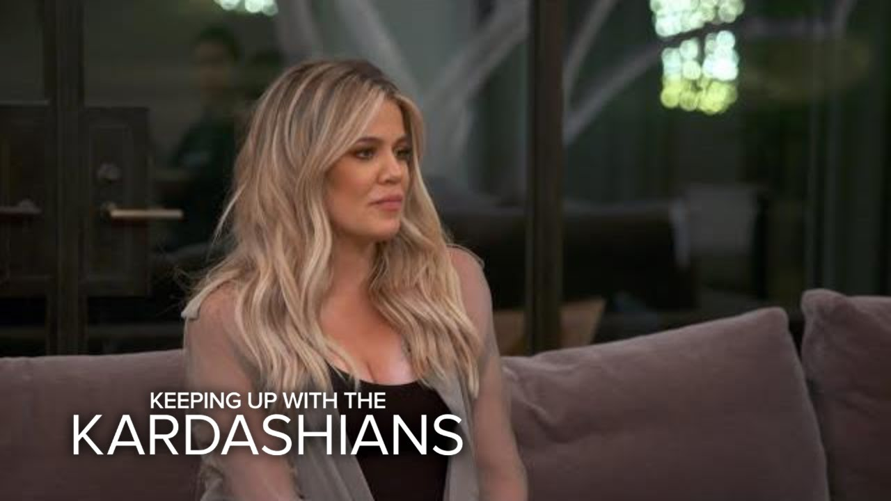 KUWTK | Khloé Kardashian Helps Mediate Between Kourtney & Kris Jenner | E! 1