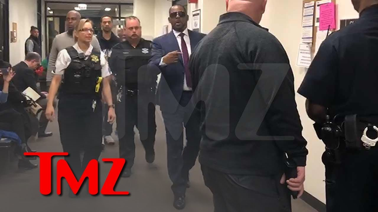 R. Kelly Arrives at Court, Trying to Get Child Support Reduced | TMZ 5