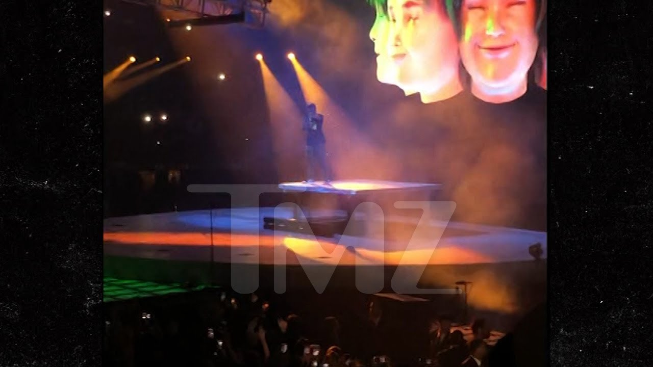 Travis Scott Back on the Road, Gives Kiley Jenner Loving Shout Out 5