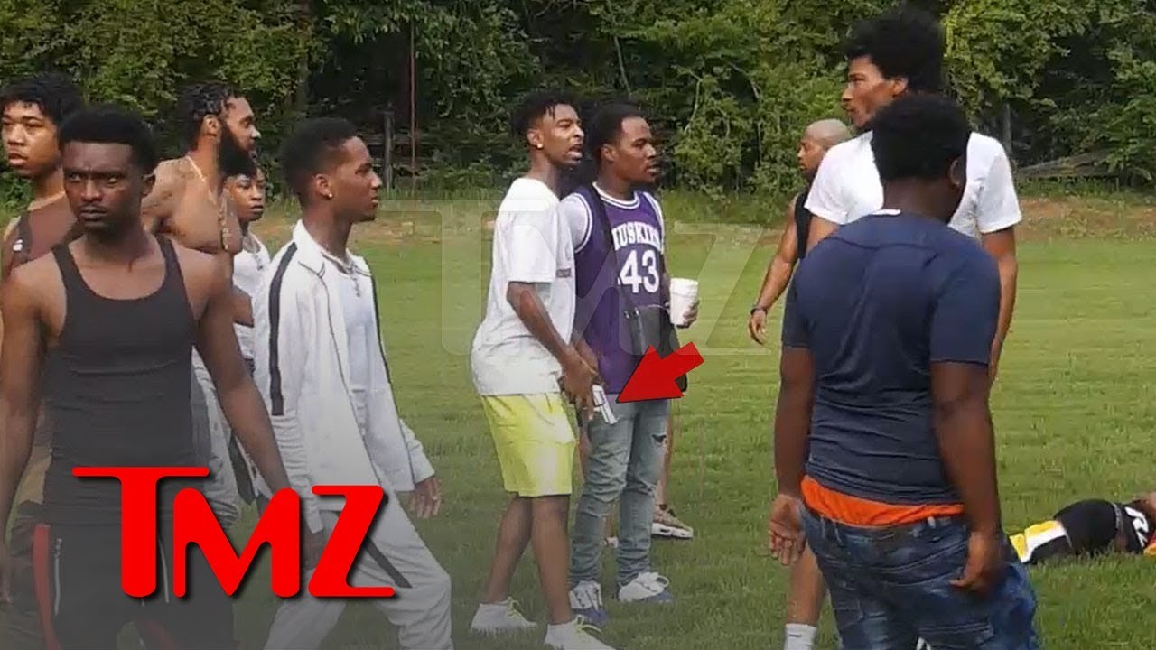 21 Savage Flashes Gun in Pool Party Fight | TMZ 4