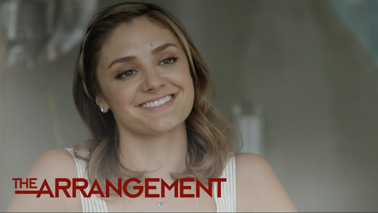 Is Megan Morrison's Plan to Do a Play a Bad Idea? | The Arrangement | E! 4