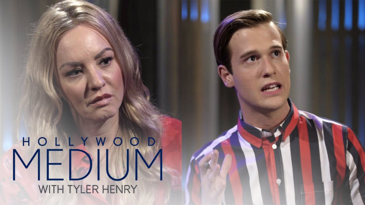 Wendi McLendon-Covey Gets Answers She's Looking For About Uncle | Hollywood Medium | E! 5
