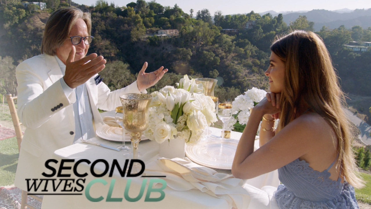 Shiva Safai Stunned by Mohamed Hadid's Gift | Second Wives Club | E! 3