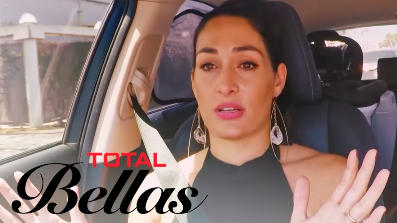 Nikki Bella Packs Up Her Things and Leaves John Cena | Total Bellas | E! 5