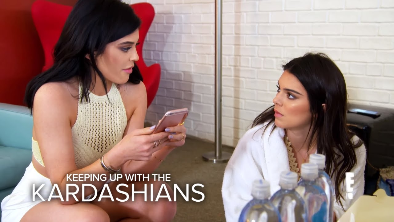 KUWTK | Rob Re-Gifts Kendall's Present to Blac Chyna | E! 2