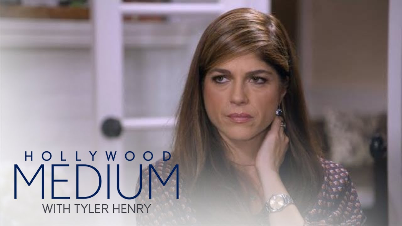 Selma Blair's First Love Reaches Out From Beyond | Hollywood Medium with Tyler Henry | E! 3