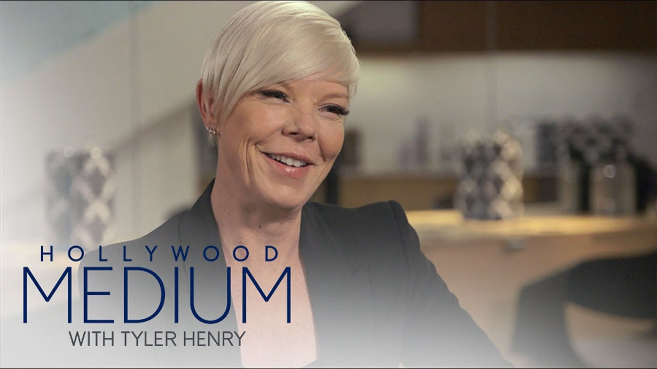 Does Tabatha Coffey Have a Psychic Gift? | Hollywood Medium with Tyler Henry | E! 3
