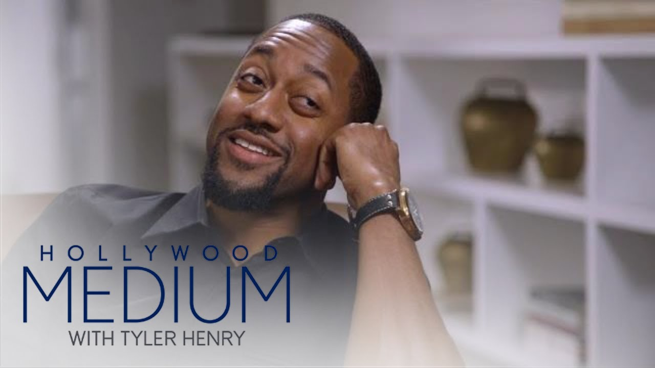 Jaleel White Breaks Down Over Costar's Death | Hollywood Medium with Tyler Henry | E! 3