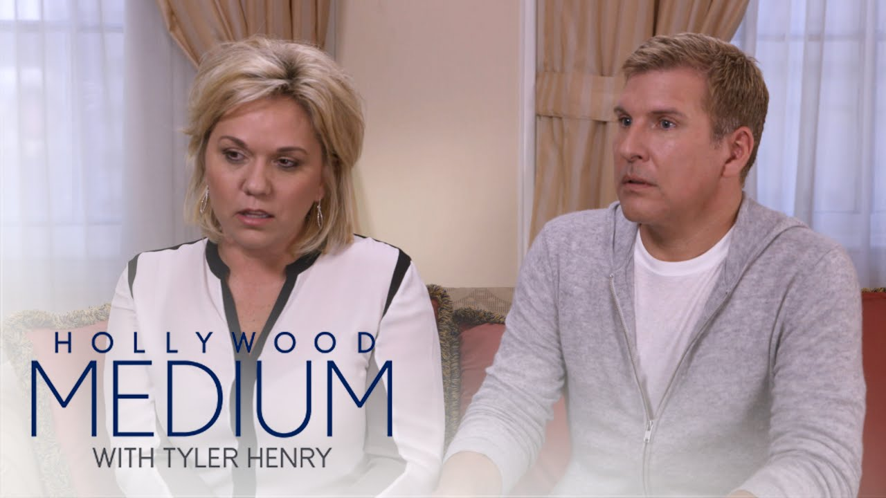 Todd and Julie Chrisley Get Message From Late Brother | Hollywood Medium with Tyler Henry | E! 5