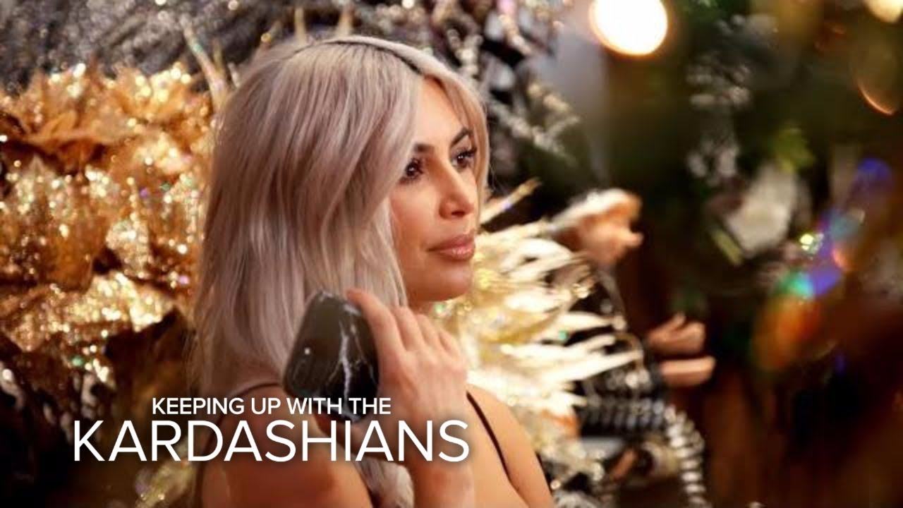 KUWTK | Kim Kardashian Warns Family About Copying Her Christmas Decor | E! 1
