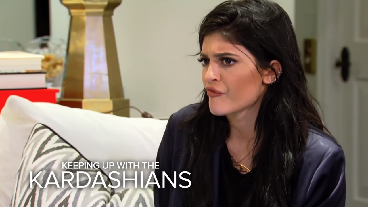 KUWTK | Does Kylie Jenner Know How to Do Laundry? | E! 4