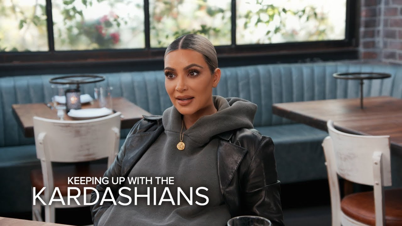 KUWTK | Kim Vents to Khloé Kardashian About Band Aid Fight With Kanye | E! 5