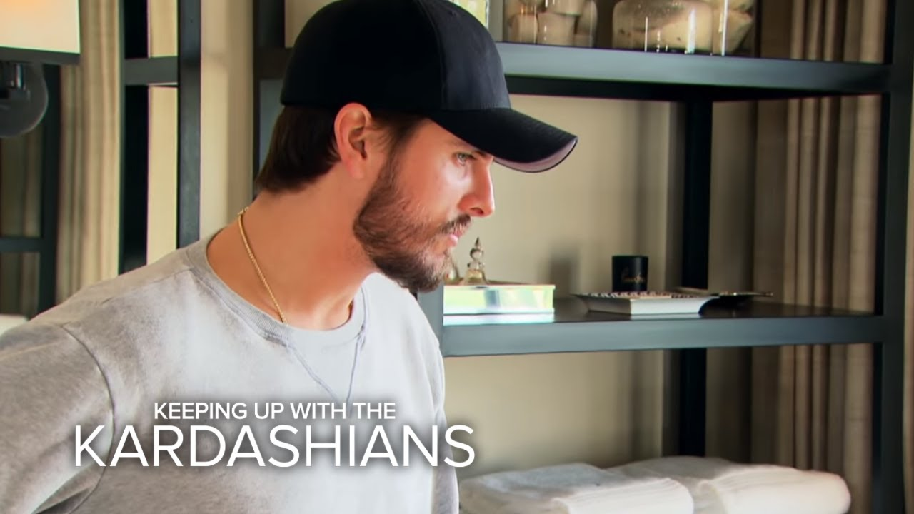 KUWTK | Scott Disick Trims Kourtney Kardashian's Lady Parts | E! 4
