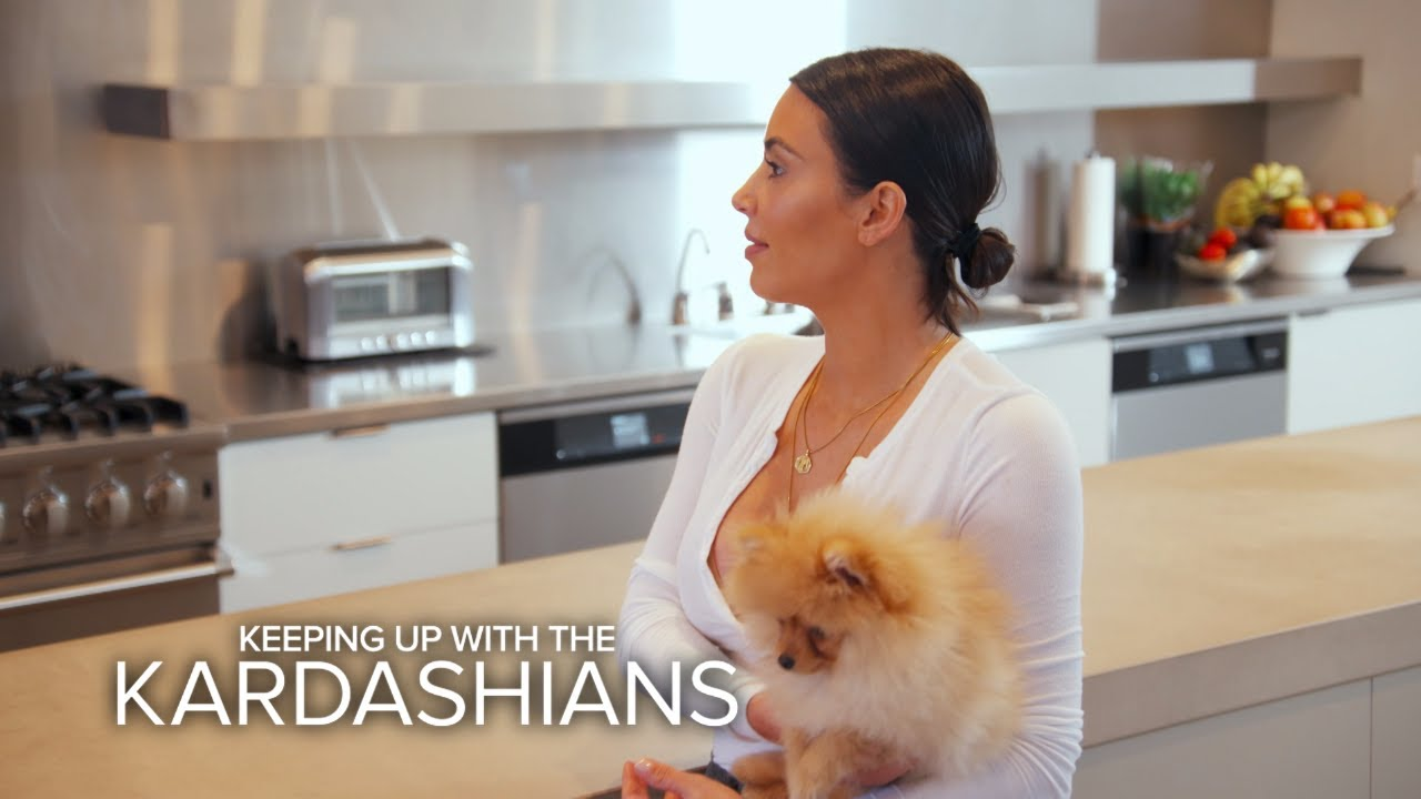 KUWTK | Kim Kardashian Refuses to Return Kourtney's Dog | E! 4