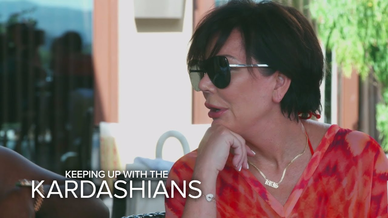 KUWTK | Kris Jenner Shows Off Her Perfect Monkey Voice | E! 4