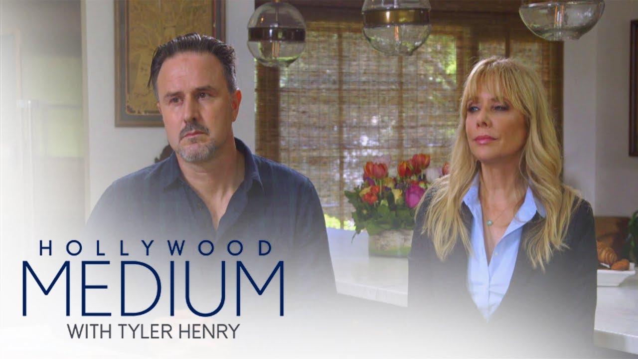 David and Rosanna Arquette's Jaw-Dropping Reading | Hollywood Medium with Tyler Henry | E! 5