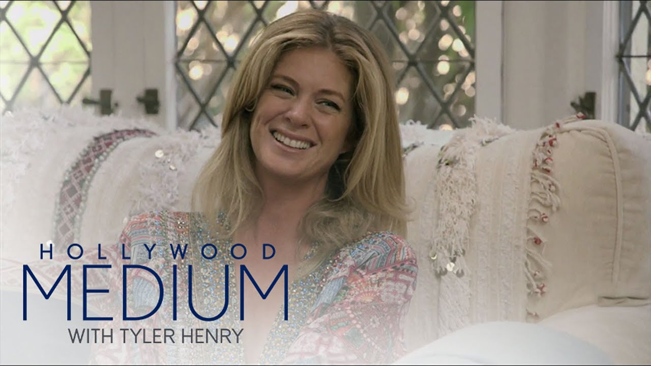 Tyler Henry Senses A Presence In Rachel Hunter's Home | Hollywood Medium with Tyler Henry | E! 4