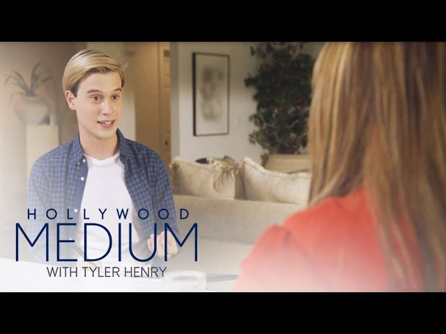 Tyler Uses Unique Method to Connect to Carnie's Relatives | Hollywood Medium with Tyler Henry | E! 5