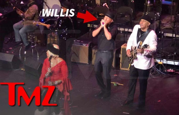 Bruce Willis Plays Harmonica, Sings During Jazz Show in Harlem | TMZ 1